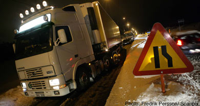 Military called in as snow traps thousands on road