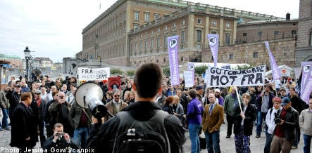 Riksdag opening met with FRA-law protests