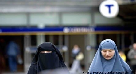 Student receives damages for headscarf slight