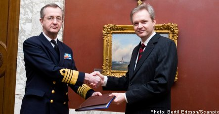 Military offers proposal on defence cuts