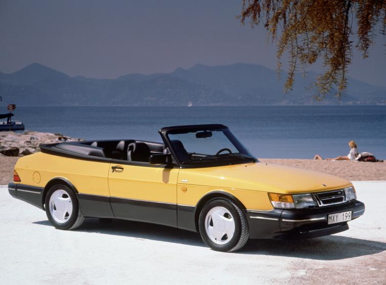 Saab 900 Convertible<br>Manufactured in 1992Photo: GM