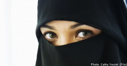 Muslim woman sues college over veil ban