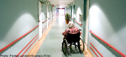 Nursing home residents taking too many drugs: report