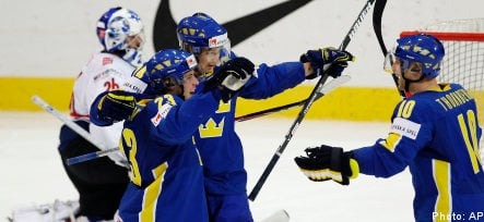 Swedes overcome Swiss to book slot in last eight