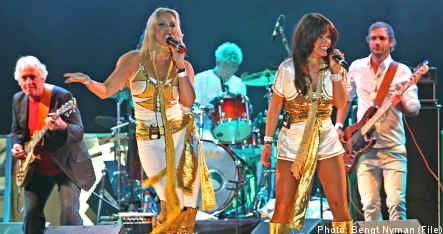 Abba fans go for 'world record' ahead of Eurovision finals
