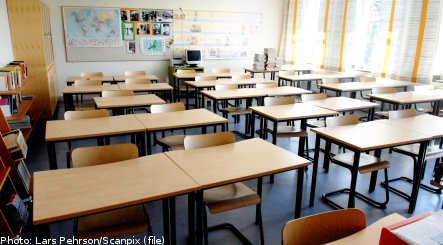 Failing pupils to sit extra school year
