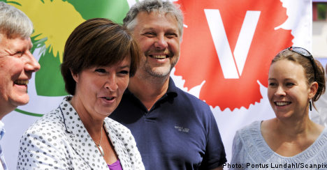 Opposition lead widens in poll