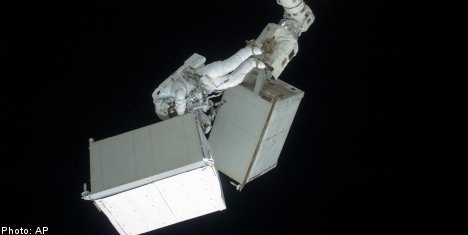 Fuglesang completes third spacewalk of shuttle mission