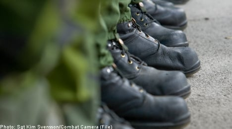 Swedish soldiers forced to train in soleless boots