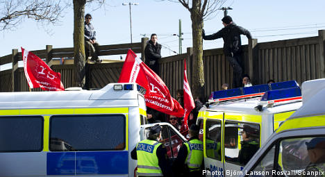 Police urge calm at mosque demo