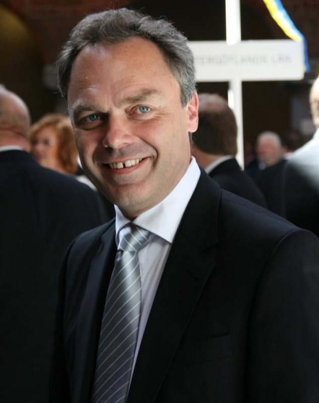 Liberal Party leader and Education Minister Jan Björklund was among those congratulating the couplePhoto: Anastasia Pirvu