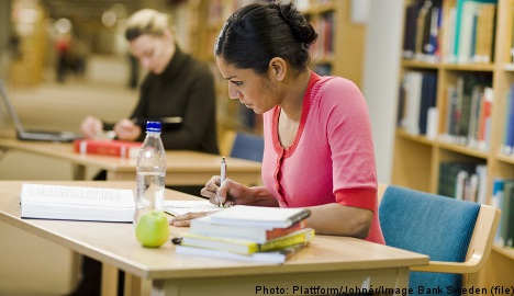 Foreigners 'blocked' from college courses