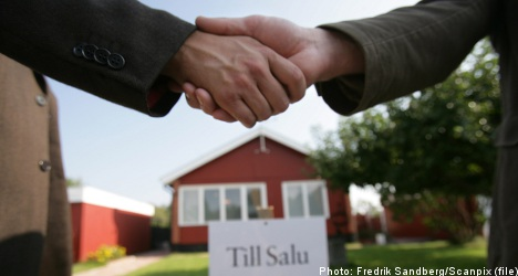 Swedish household loan growth continues to slow