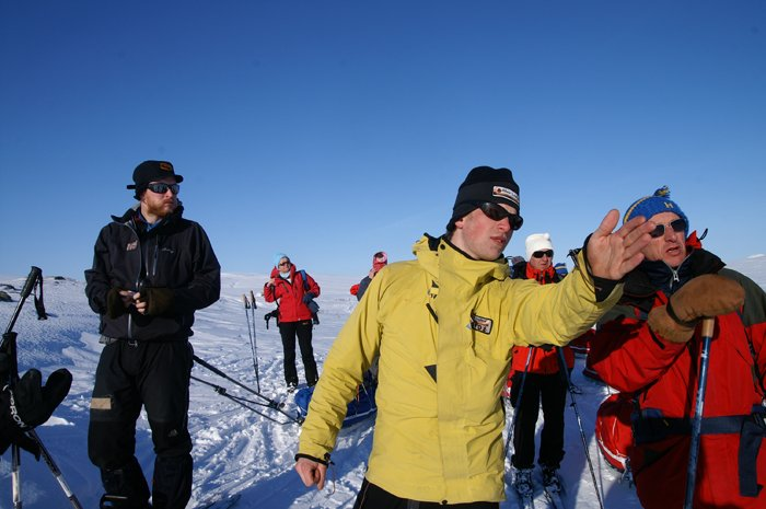 Guide Pointing Photo: Outdoor Lapland