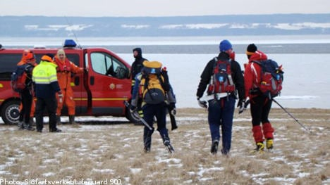Dutch skaters saved from Swedish ice floe