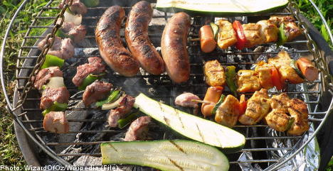 Swedish barbeque: sausages, shellfish and disposable grills