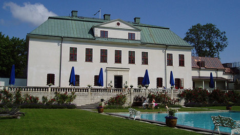 Top stately spots for a Swedish wedding party