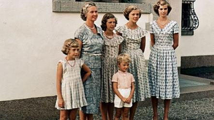 """Royal children in the 1950s<br>Princess Sibylla have gathered her five children at Solliden, the Royal family's country residence on the Baltic Island of Öland. From left the """"Haga-Princesses""""; Christina, Désirée, Birgitta and Margaretha. In the front stands their little brother, later Carl XVI Gustaf. Photo: Photo: Wikipedia"""
