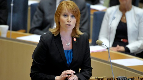 Swede fined for 'sex tweeting' to minister