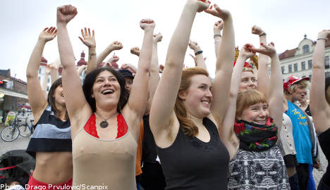 Swedish feminists bare pits to 'reclaim the hair'