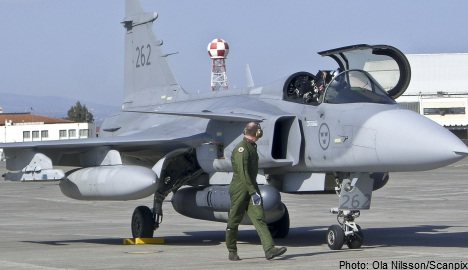 'Sweden needs 60-80 new fighter jets': military
