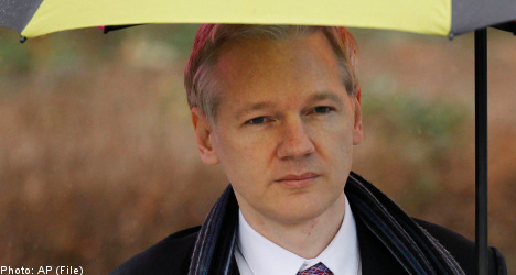 Assange 'will not comply' with UK police orders