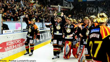 Champions with century-old roots<br>Brynäs IF, last year's champions, is one century old this year, with the club having been founded way back in 1912 (prior to hockey's official introduction to Sweden...but more on that later). Brynäs started playing hockey in 1939, however, and has managed to avoid relegation from the Elitserien since 1960. This year's squad is made up of 21 Swedes, one American and one Norwegian. They've won the league a stunning 13 times. But they're far from the most succesPhoto: Pontus Lundahl/Scanpix (file)