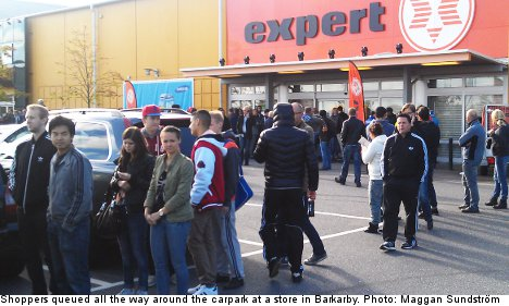 Shoppers shocked at empty Expert stores