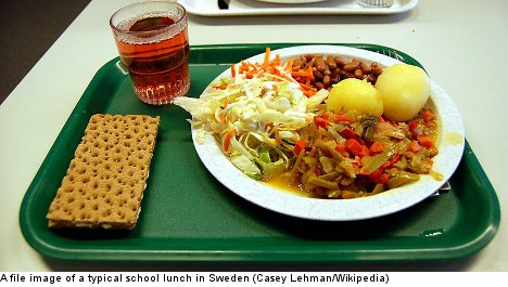 Ban on lunch lady's food a 'misunderstanding'