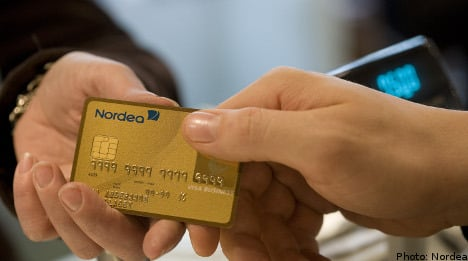 More Swedish shops dropping cash for cards
