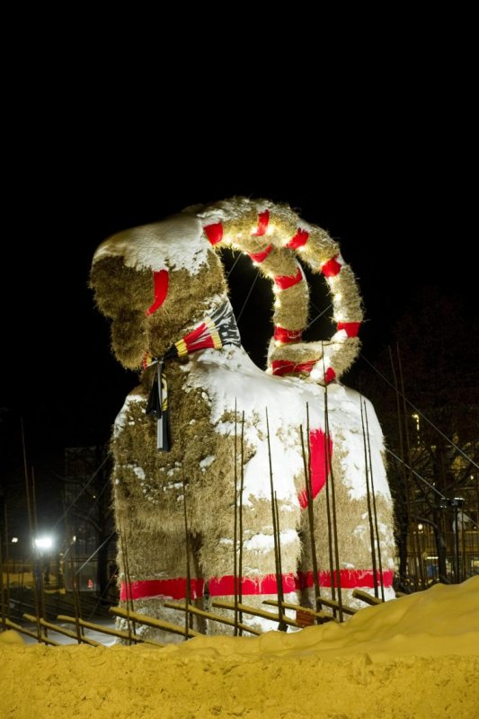 Gävle Christmas Goat<br>This is how it looked before the fire.Photo: Fredrik Sandberg/Scanpix (File)