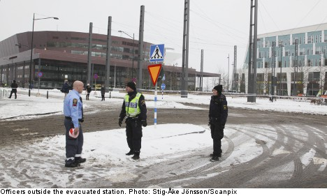 Malmö station evacuated after bomb threat