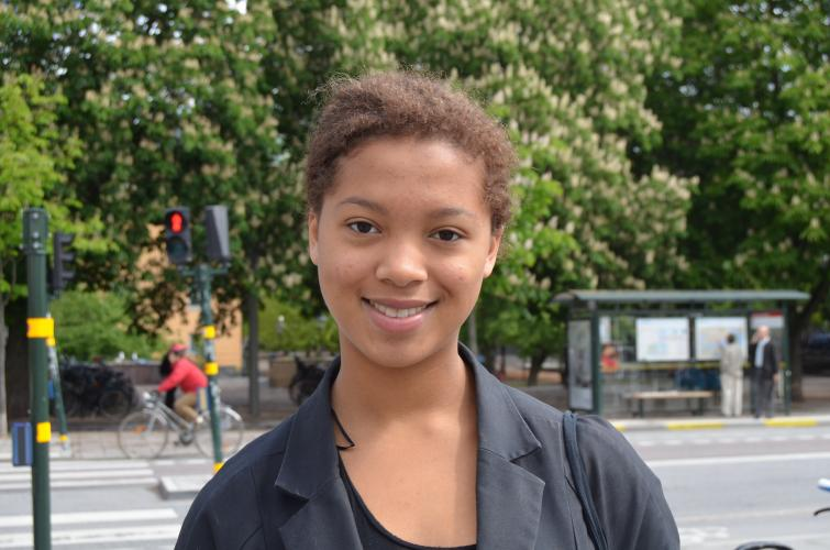 Clara, 16<br>I think tourists should not miss Södermalm and its mixture of old buildings, nice bars and restaurants and hip stores. Gamla Stan, the oldest place in town, is also pretty cool.