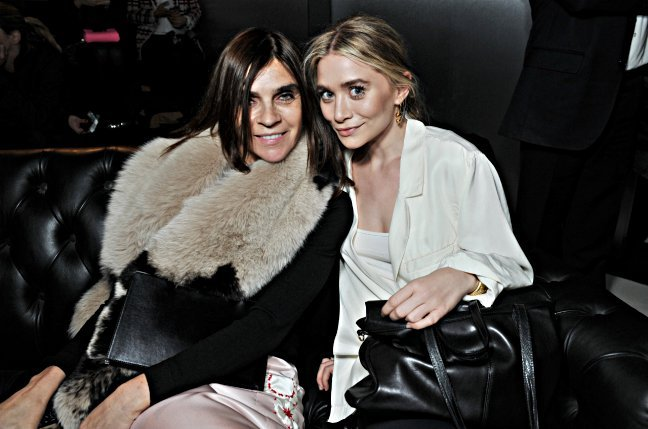 Former French Vogue editor Carine Roitfeld and an Olsen twin.Photo: Stéphane Fugier/H&M