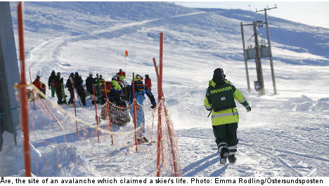 'Gigantic' avalanche claims skier's life