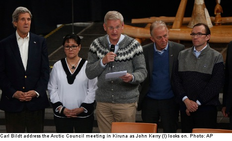 Bildt welcomes China's new Arctic Council status