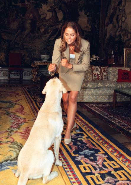 Just before Madeleine's 18th birthday, the family dog Jambo takes his turn in the spotlight.Photo: Ulf Palm/SCANPIX