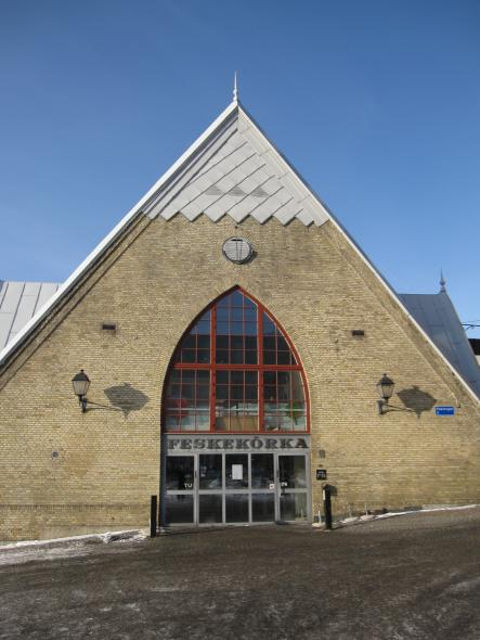 """8. Be sure to check out the Feskekôrka market - even if only to tell your friends you've been to a Fish Church – named so due to its architectural likeness to a Gothic church and the fact that it sells fish. If eating fish in a church isn't your thing, there are also brilliant options on Avenyn (See point 1). <a href=""""http://www.xn--feskekrka-57a.se/"""" target=""""_blank"""">Learn more here (in Swedish).</a>Photo: Bernt Rostad/Flickr"""
