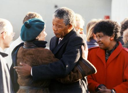 Palme and Mandela<br>Lisbet Palme, the widow of slain Swedish Prime Minister Olof Palme who was a dedicated supporter of the ANC, greets Mandela at Arlanda Airport in 1992.Photo: Anders Homström/Scanpix