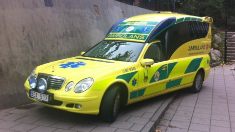 Woman dies hours after ambulance no-show