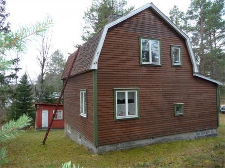 A. Rayner-Karlsson @trudheim: I'm thinking somewhere in Härjedalen, up against the border with Norway. #peace #quiet<br>Try this three bedroom house in HärjedalenPhoto: Fastighetsbyrån