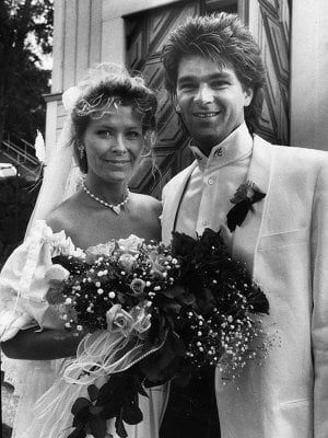 A frilly first marriage<br>Attling married singer Niklas Strömstedt in 1985 before finding her female soulmate. Photo: Scanpix