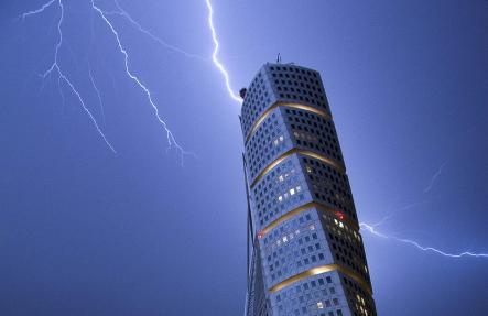 The different sides of the Turning Torso
