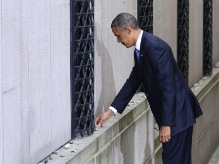 """Obama on Raoul Wallenberg:<br>""""Days such as this are a time of reflection — an occasion to consider not just our relationship with God, but our relationship with each other as human beings.And we're reminded of our basic obligations:to recognize ourselves  in each other; to treat one another with compassion; to reach out to the less fortunate among us; to do our part to help repair our world.These values are at the heart of the great partnership between Sweden and the United States.""""Photo: Claudio Bresciani/Scanpix (Obama at the Great Stockholm Synagogue)"""