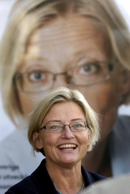 """Lindh, here in 2003, and the Social Democrats rolled out the """"yes"""" campaign for The European Monetary Union and Lindh's face appeared on billboards around the country.Photo: Fredrik Sandberg/Scanpix"""
