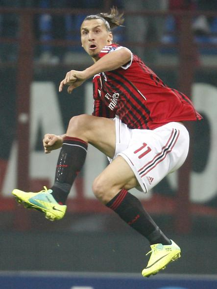 """Zlatan in action for Milan. Some of Zlatan's antics during his time at Milan included punching a defender in the stomach, swearing at a referee and """"slapping"""" a player in an off the ball accident.Photo: Antonio Calanni/Scanpix"""