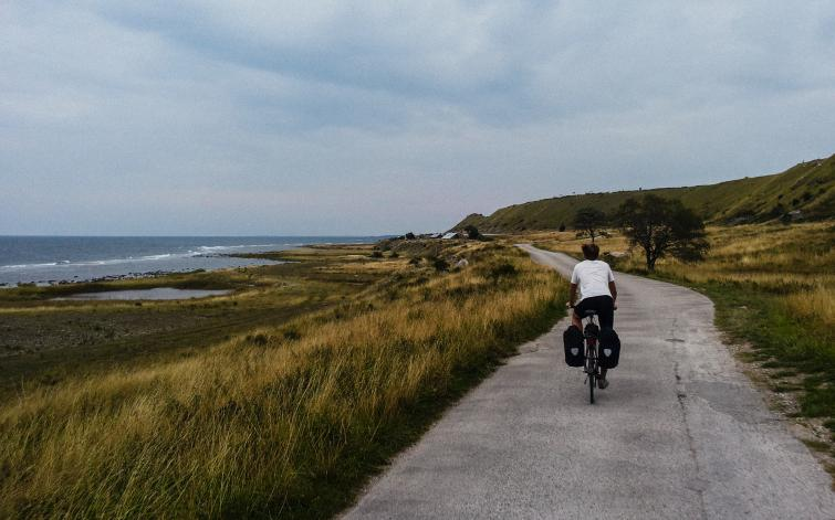 Biking around Gotland<br>A magnificent road for cyclists in the southwestern end of the island.Photo: Joel Linde