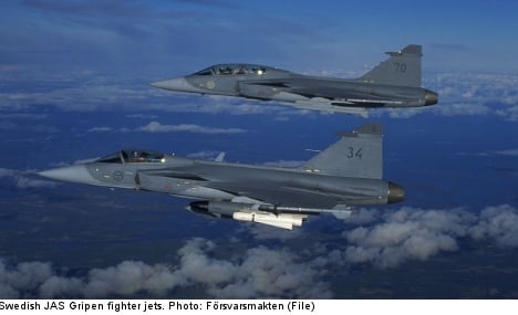 Swiss senate says yes to Sweden's Gripen jets