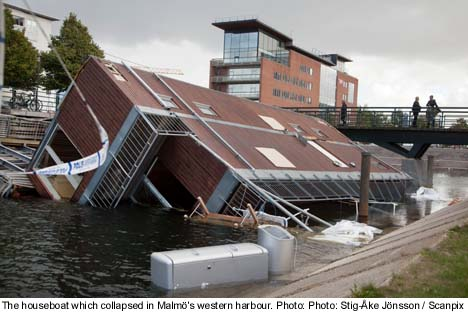 Injuries after houseboat capsizes during party