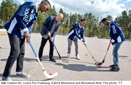 """<font size=""""5"""">Somali-Swedes to fight Russia with clubs</font><br>A famous Swedish bandy coach and Somali refugees are out on thin ice, and aiming for Siberia and the bandy world championship. <br> <a href=""""http://www.thelocal.se/50946/20131023/"""" target=""""_blank""""> Read more and see the team.</a>"""